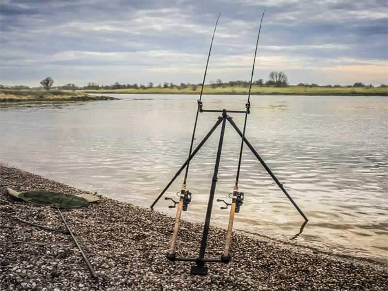 لوازم جانبی ماهیگیری - پایه ماهیگیری