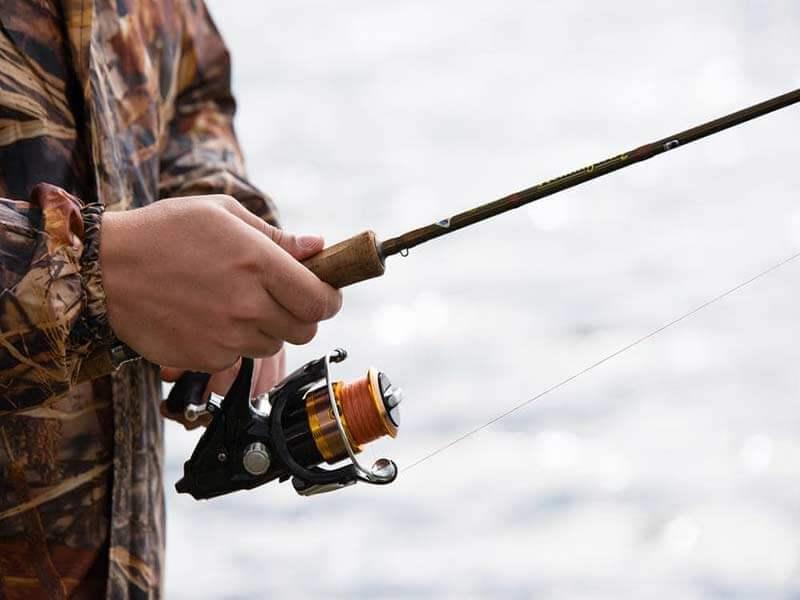 چگونگی قرار دادن نخ بر روی چرخ ماهیگیری