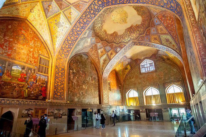 کاخ موزه چهل ستون